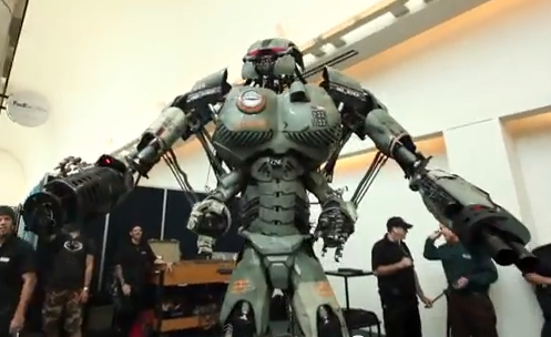 Stan Lee vs El Robot Gigante de WIRED - Comic Con 2013